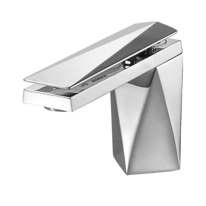 Смеситель Bravat Diamond F118102C 1 для раковины смеситель для раковины bravat diamond f118102c 1 rus